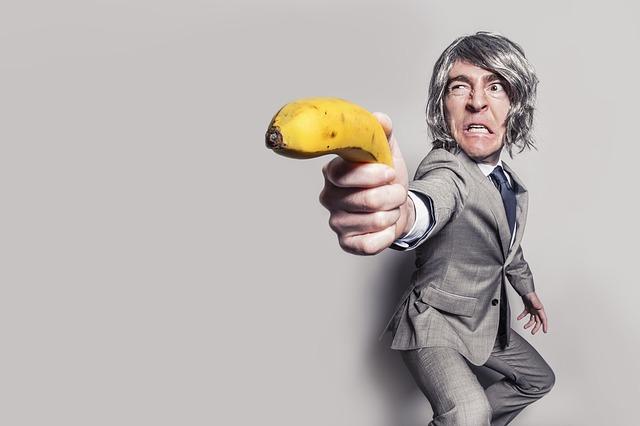 【パワハラ三昧】理不尽な上司と上手いことやっていく7つの方法!