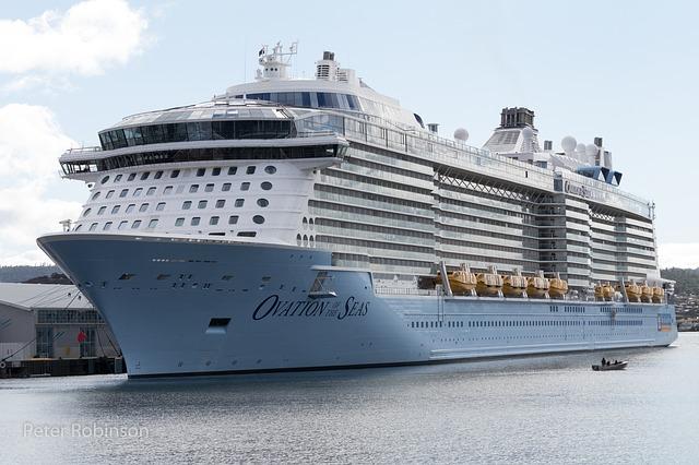 リゾート業界やめたい!時給750円バイトなのに船舶免許を求める