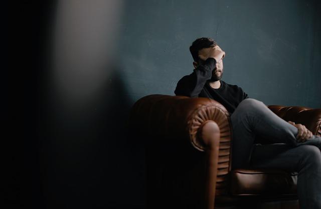 【やってられない】仕事辞めたい!つらい現実から逃避する6つの手段