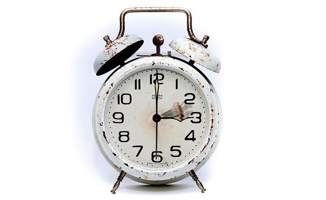 【早出残業】30分前出勤を強要されている!?だるい時の具体的対策6選