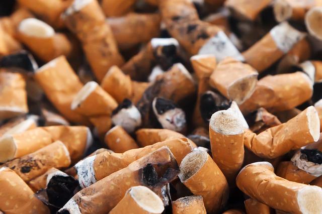 職場がタバコ臭くてやめたい!副流煙で死ぬ前に現状変える13の方法