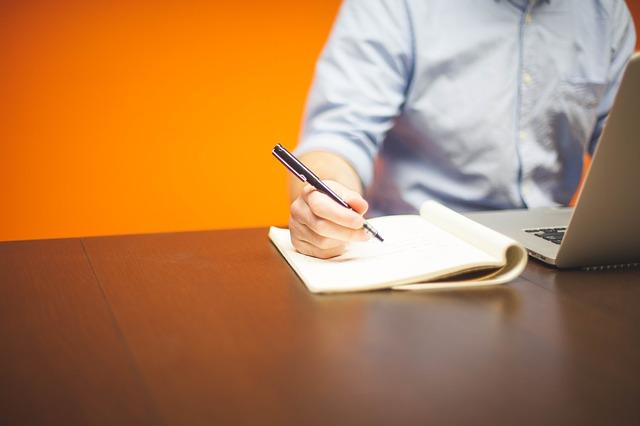 【短期職歴】不利な職歴は書かないとバレるのか?無かったことにするには?