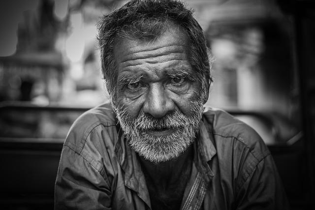 厚生年金入ってない人の老後は?正社員なのに社会保険無い場合の対応策