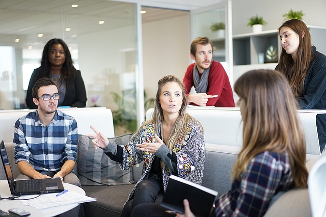職場の人が全員嫌い!性格の悪い同僚ばかりに囲まれている時の対処法