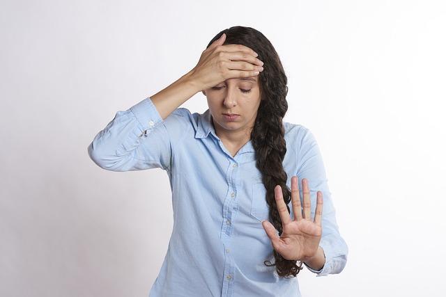 【過労】働きすぎるとどうなる!?きつい疲労で起こる弊害とは?